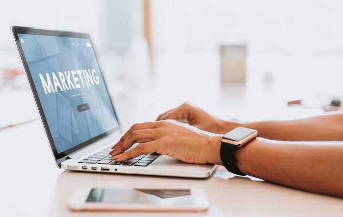Ways to Advance Your Digital Marketing Career